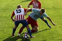 ČLU Beroun vs. Klatovy (v modrém) - divize 2020/2021. Vloni vyhráli 2:0 fotbalisté Berouna, letos zase uspěly Klatovy.