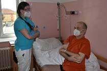 Nemocnice v Horažďovicích návštěvy umožní, ale za přísných bezpečnostních podmínek.