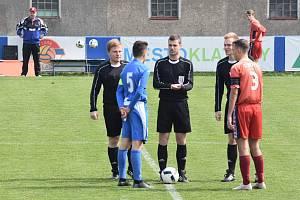 Mladší dorost Klatov (na archivním snímku hráči v červených dresech) vyhrál na půdě vedoucí Aritmy 2:1.