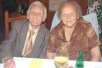 Diamantovou svatbu oslavili Jarmila a Vladimír Zelenkovi z Kolince.