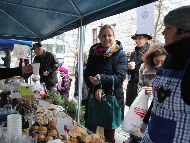 V Klatovech uspořádali tradiční charitativní bazar 2015