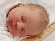 Karolína Kopalová zHoražďovic (3210 g, 48 cm) uviděla světlo světa vklatovské porodnici 16. října ve 23.35 hodin.  Znarození dcery se radují rodiče Lenka a Jiří.