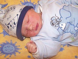 Ondřej Strnad ze Kdyně (3640 g, 51 cm) se narodil v klatovské porodnici 6. listopadu v 18.42 hodin. Rodiče Jana a Vladimír přivítali očekávaného syna společně. Z brášky má radost i Honzík (2).