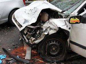 Smrtelná dopravní nehoda mezi Javornou a Železnou Rudou