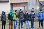 Zimní turnaj mužů v Sušici: Sušice (ve žlutém) - Klatovy 4:1.