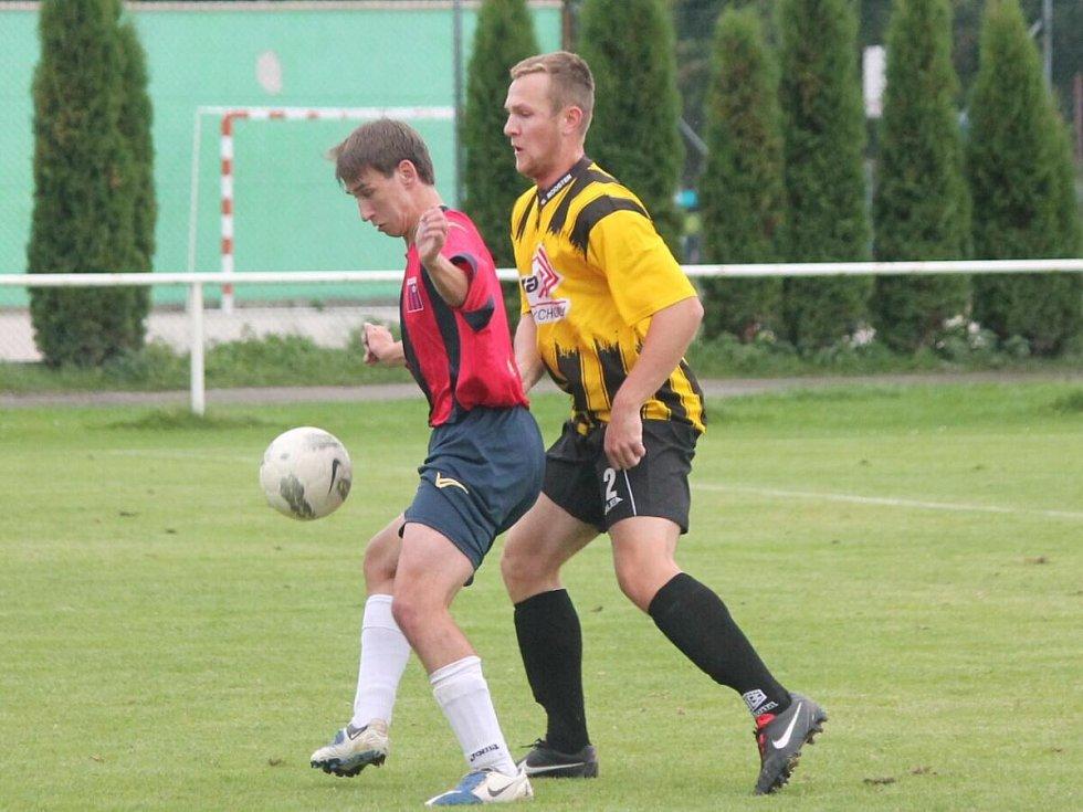 1. B třída: Horažďovice B (ve žlutém) - Starý Smolivec 1:1.