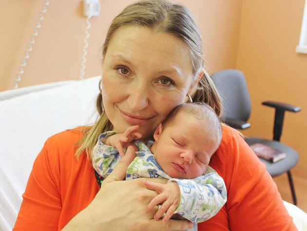 Vojtěch Steller z Plzně (3580 g, 50 cm) se narodil v klatovské porodnici 7. prosince ve 12.10 hodin. Z narození syna se radují rodiče Jana a Jan. Na brášku doma čekají Šimon (14) a Honzík (2).
