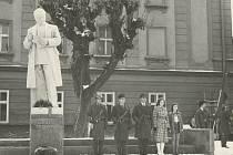 Socha Klementa Gottwalda, která stála dříve na náměstí v Sušici
