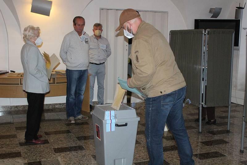 Parlamentní volby a referendum v Sušici 2021.