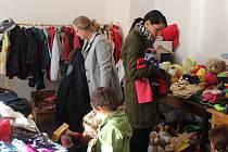 Již 11. charitativní bazar pro kočky bez domova, pořádaný o víkendu v sušické Sokolovně tamním spolkem Šance pro kočku.