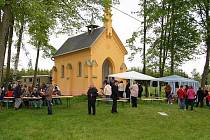 Setkání u kaple Panny Marie Na Stráni v Činovci