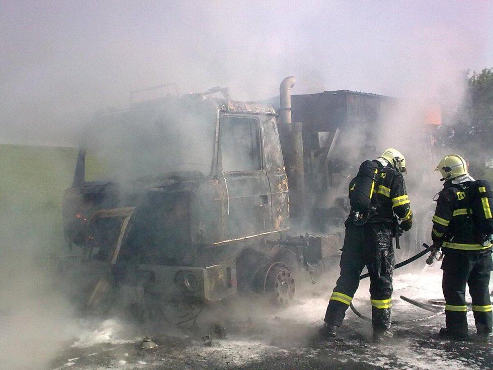 Požár u Malých Hydčic.