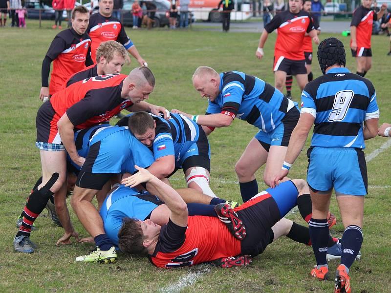 Rugby Šumava Nýrsko (na archivním snímku hráči v oranžových dresech).