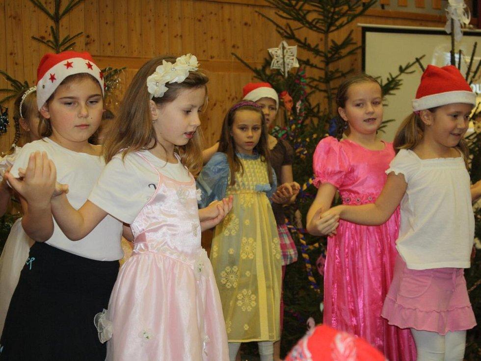 Vánoční jarmark v Janovicích nad Úhlavou.