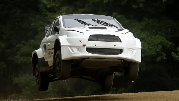 Mitsubishi Mirage Otakara Výborného vypovědělo ve finálové jízdě na závodišti Matschenberg službu.