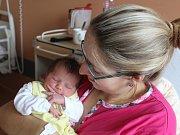 Mikuláš Vondřička z Kolince (3140 g, 48 cm) uviděl světlo světa v klatovské porodnici 10. listopadu v 0.56 hodin. Rodiče Kamila a Jiří přivítali svého syna společně na porodním sále. Doma na brášku čeká Tobiáš (4).