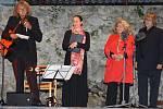 Koncert pěti hvězd pro Jana Nepomuckého na hradě Rabí