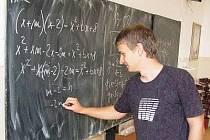 Student klatovského gymnázia Michael Bílý (na snímku) reprezentoval Českou republiku na 4. středoevropské matematické olympiádě ve slovenském Strečně.