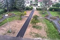 Nové parkoviště a chodník v nemocnici v Horažďovicích.