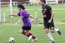 Mušlák team (černé dresy) vyhrál v Mochtíně nad PS Křeč 5:3