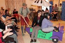Předvánoční setkání v domově pro osoby se zdravotním postižením v Bystřici nad Úhlavou.