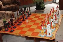 Devítidenní šachový turnaj O pohár města Klatovy byl zahájen 28. června v klatovském kulturním domě.