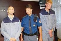 Svatopluk Šefčík (vlevo) a Jan Strejc u klatovského soudu.