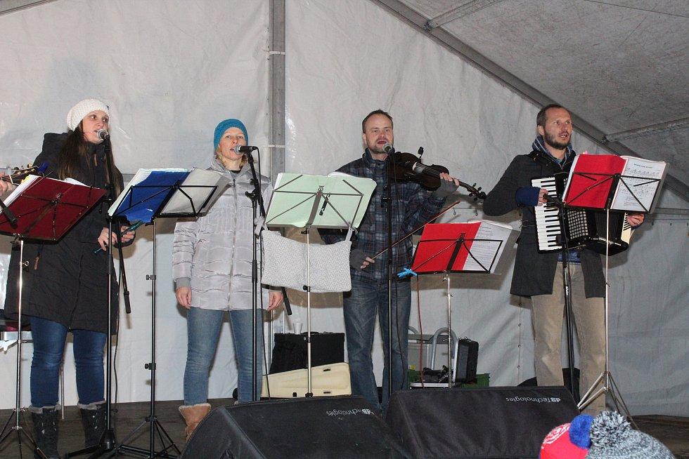 Česko zpívá koledy v Nýrsku.