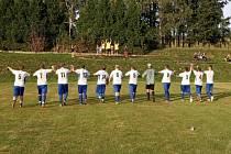 Fotbalisté Běšin děkují fanouškům za podporu.