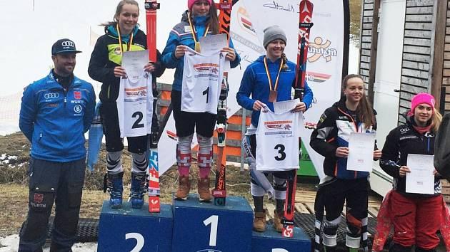 """V Garmisch-Partenkirchenu """"naložila"""" Bára (1. místo)  všem německým reprezentantkám."""