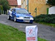 Sraz vozů škoda v Běšinech.