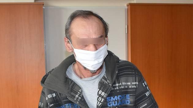 Stalker Peter V. u klatovského soudu.