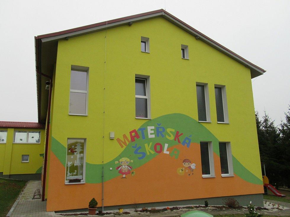 Mateřská škola v Bezděkově.