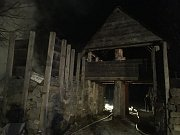 Požár v archeoparku v Prášilech.