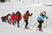 Výlet na sněžnicích na Šumavě