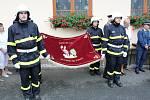 Chudenínští hasiči nechali požehnat nový prapor