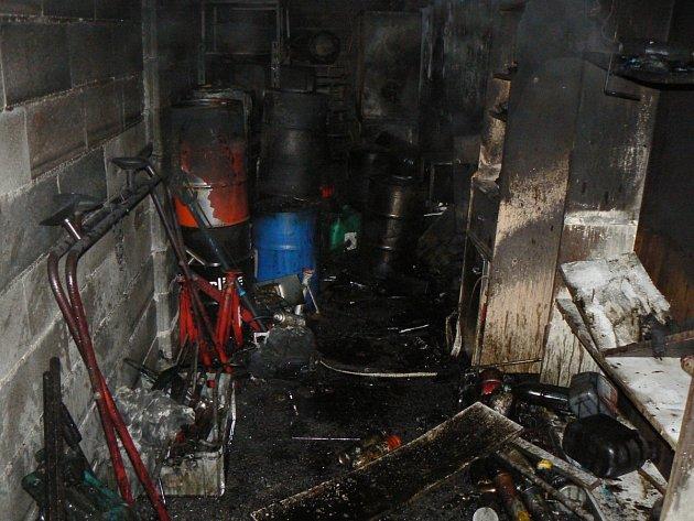 V autoservisu vybuchly nebezpečné látky - Klatovský deník 2718e979a80