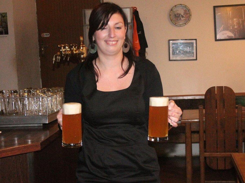 Křest nového piva v chudenickém pivovaru. Jeho jméno vybírali čtenáři Klatovského deníku