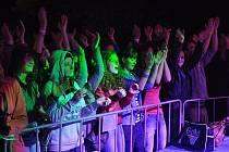 Majáles vyvrcholil koncertem na ostrově Santos