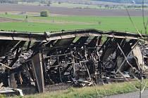 Shořelá drůbežárna v Otíně.
