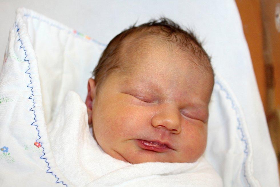 Sára Krochotová ze Sedliště se narodila v klatovské porodnici 27. února ve 13:37 hodin (3370 g, 49 cm). Pohlaví svého prvorozeného miminka znali rodiče Martina a Jakub ještě před Sářiným příchodem na svět.