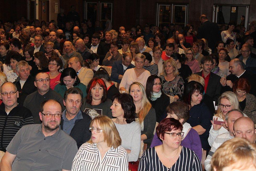 4TET pobavil v Klatovech stovky lidí.