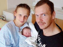 Šimon Švůger z Chudenína (3320 g, 48 cm) přišel na svět v domažlické porodnici 5. října v 9.49 hodin. Rodiče Věra a František ho přivítali na svět společně. Jméno vybrala maminka. Rodiče věděli, že se jim narodí chlapeček. Doma se na něj těší Nikolas (1,5