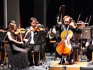 Plzeňská filharmonie v klatovském divadle.