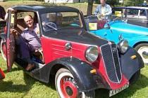 Pavel Vitner za volantem Tatry 57  z roku 1935.