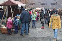 Vánoční trh ve Velharticích.