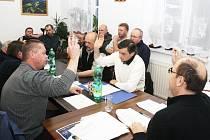 V Hamrech zvolili v pátek nové vedení obce.
