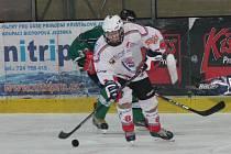 Krajská liga juniorů: HC Klatovy (v bílém) - HC Slavoj Český Krumlov 12:0.