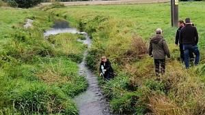 Viník ekologické katastrofy se nenašel, vodárna zvažuje soud