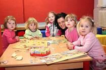 Kulturní dům v Nýrsku slouží i těm nejmenším. Do klubu Sluníčko, který funguje v pondělí, ve středu a v pátek vždy od 9.00 do 12.00 hodin,  mohou maminky přivést děti od věku 1,5 roku do nástupu do mateřské školky.